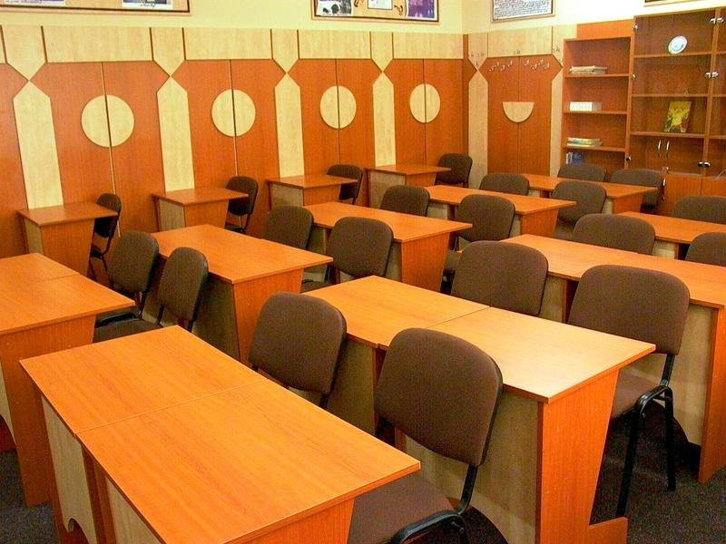 Sondaj FSLI: Peste 50% dintre angajatii din educatie cer dotarea scolilor cu materiale didactice si mijloace moderne de predare.
